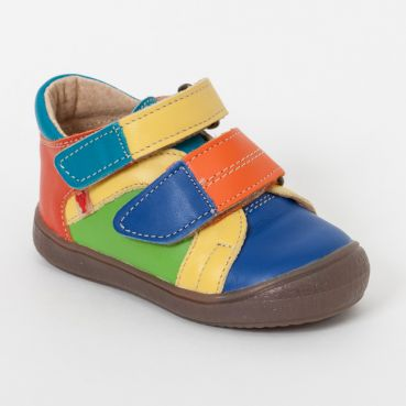 94abf425c0 Začínajúci malý chodec však potrebuje kvalitné detské topánky