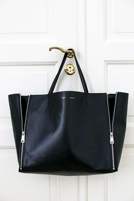 5f6854edb7 Čierna kabelka je jednoducho všetkým Univerzálna